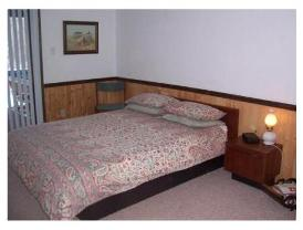 Sunnybrook Farm - Master bedroom