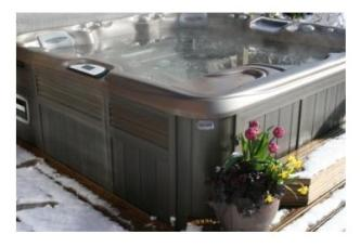 Sunnybrook Farm Garden Level Guest Suite Hot Tub